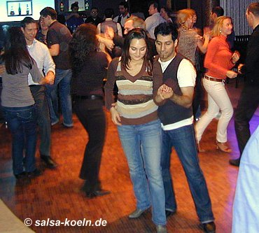 Salsa in Köln: MP 34 im Mediapark